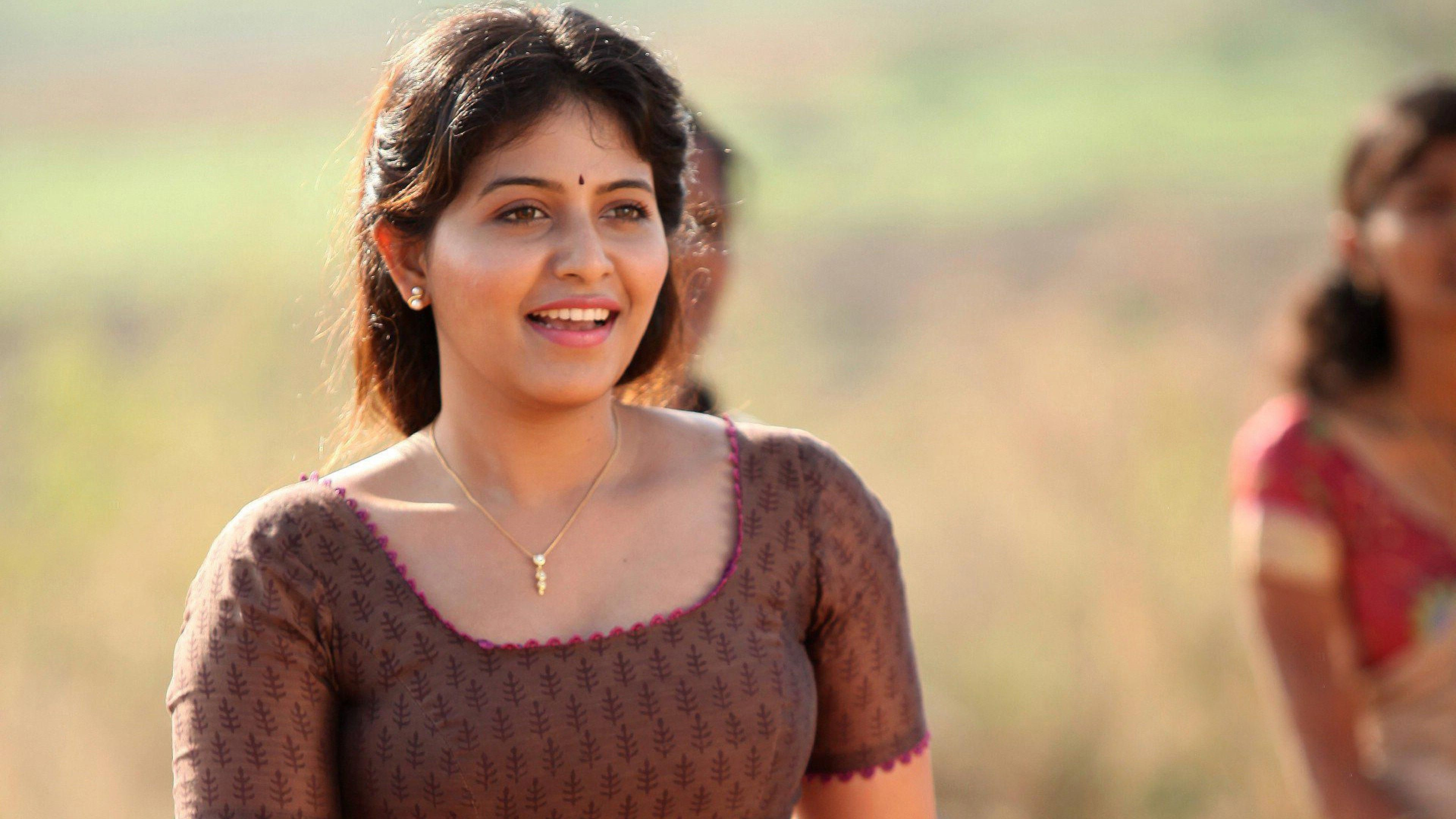 Tamil Actress Hd Wallpapers 1080p Beauty Smile Photography Happy Neck Photo Shoot Abdomen 1307777 Wallpaperkiss